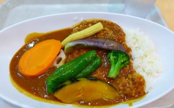 大きめ野菜とお肉を入れて、スープカレーを作ってみよう