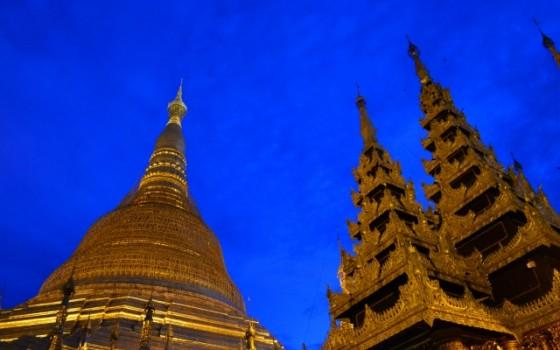 黄金の都!ミャンマーのシュエダゴォン・パヤー